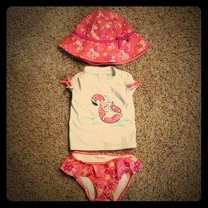 Gymboree 3 piece-swim suit and matching hat